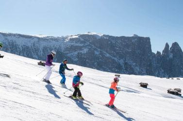 Skifahren mit der Familie auf der Seiser Alm
