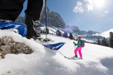 Schneeschuhwandern abseits der Pisten in Südtirol