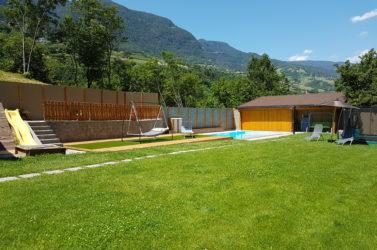Garten mit beheiztem Pool
